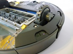 The underside of the Roomba 770. Those offroad-looking wheels allow the Roomba to handle transitions from bare floors to rug or carpet.